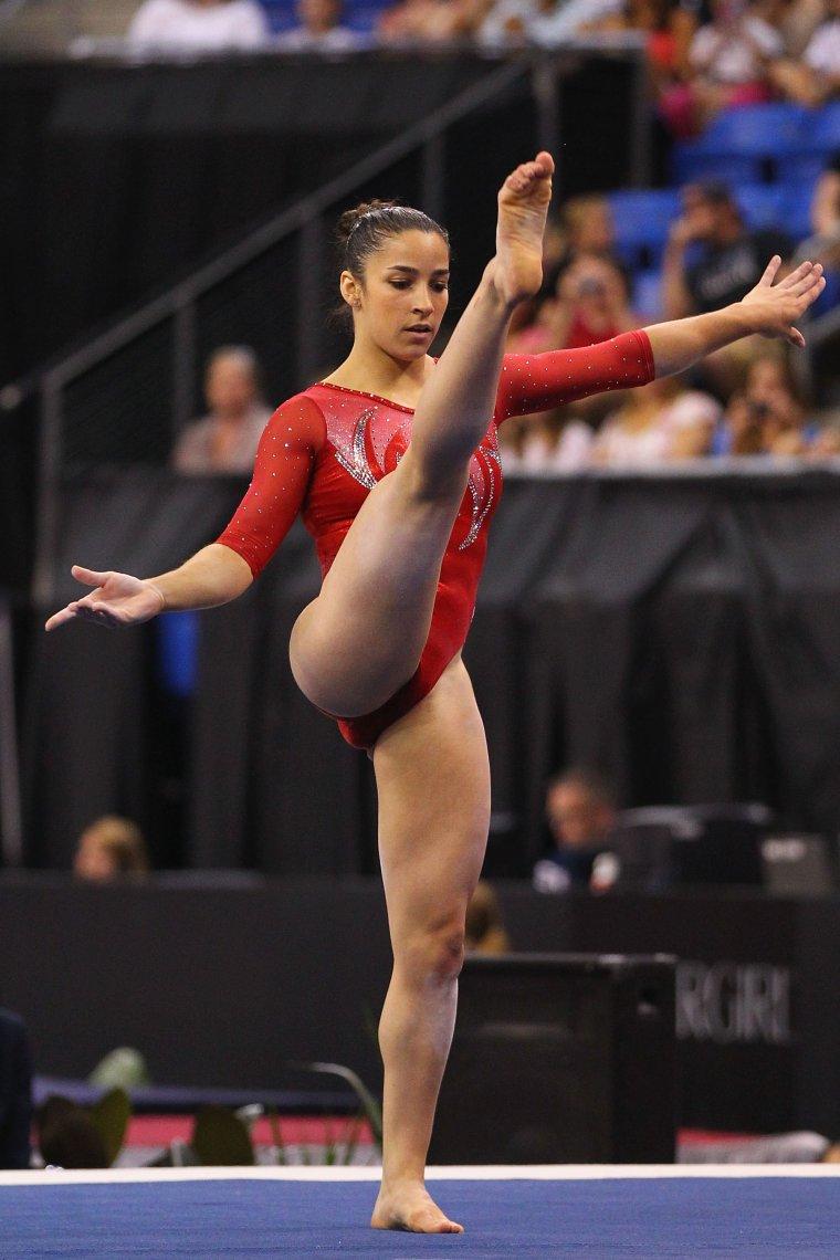 Фото красивых гимнасток: гибкие и талантливые 6