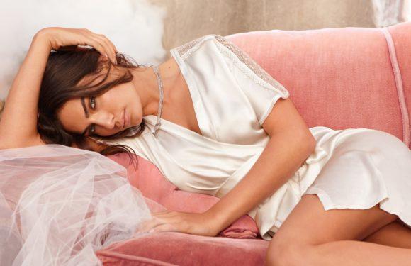 Фото девушек в сексуальных халатиках: романтичные красотки