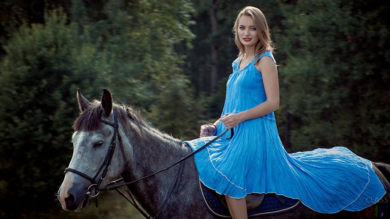 Красивые девушки в синих и голубых платьях: они очаровательны 12