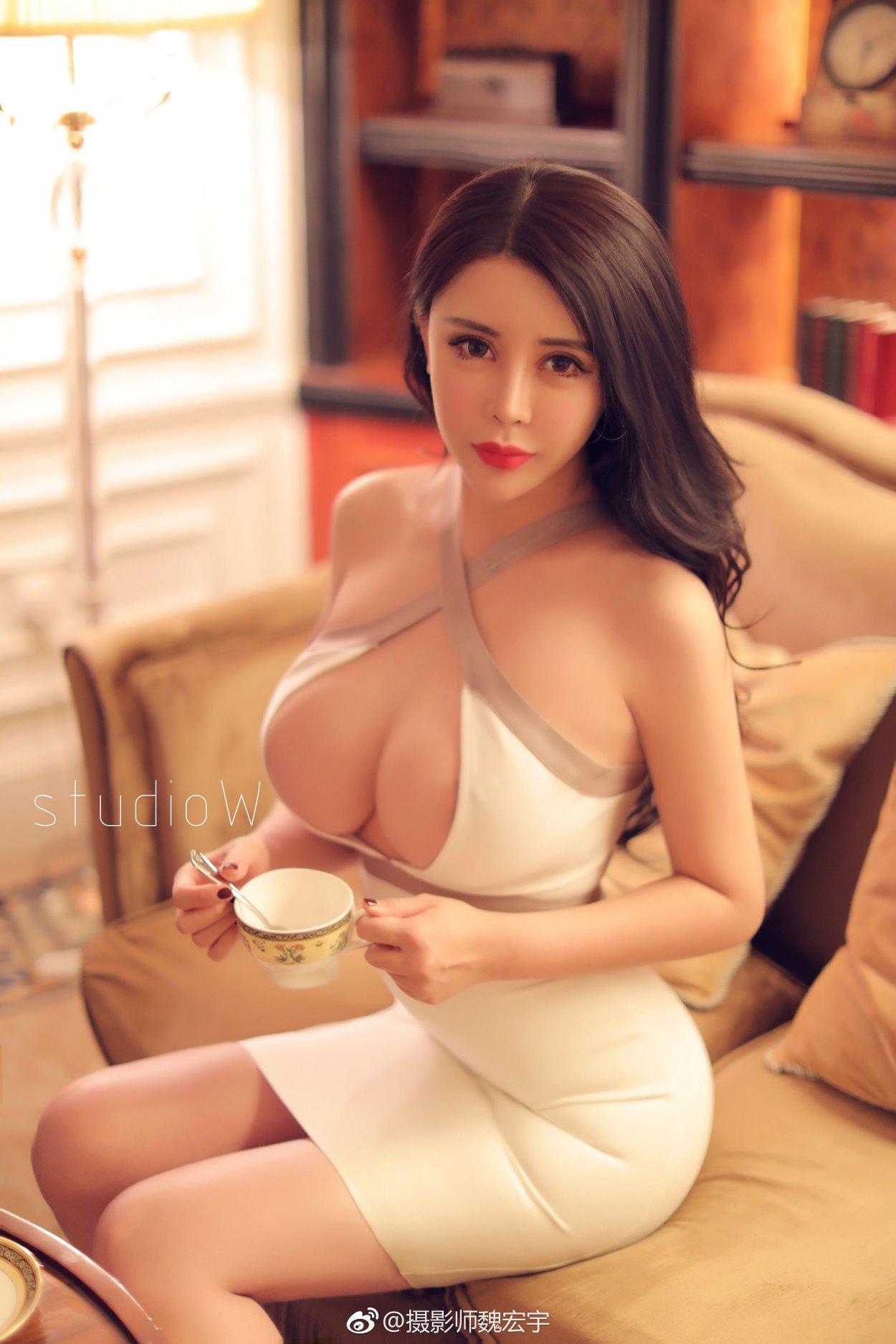Красивые грудастые китаянки: фото экзотических красоток 7