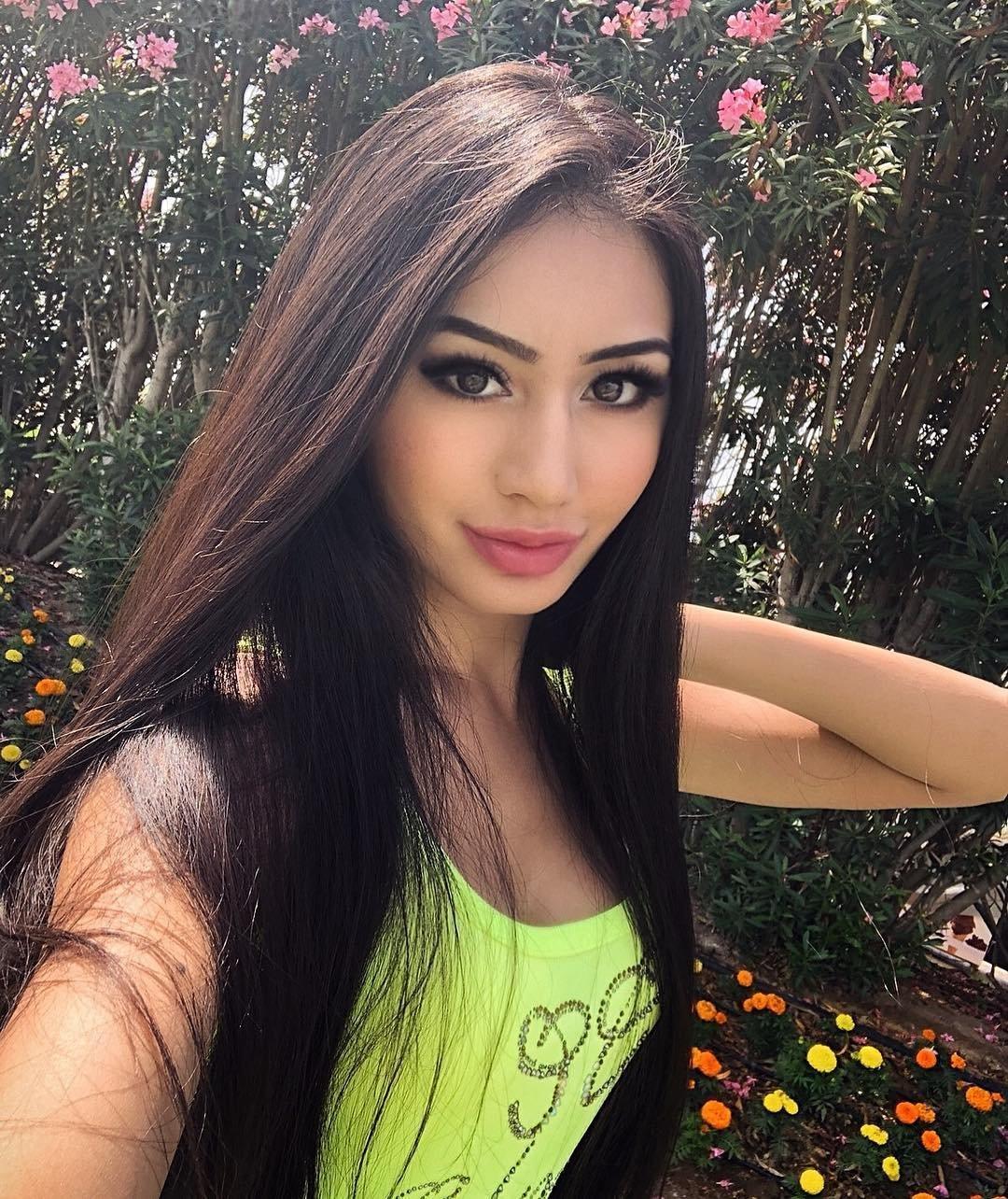 Красивые казашки покоряют мир: шикарные девчонки 15