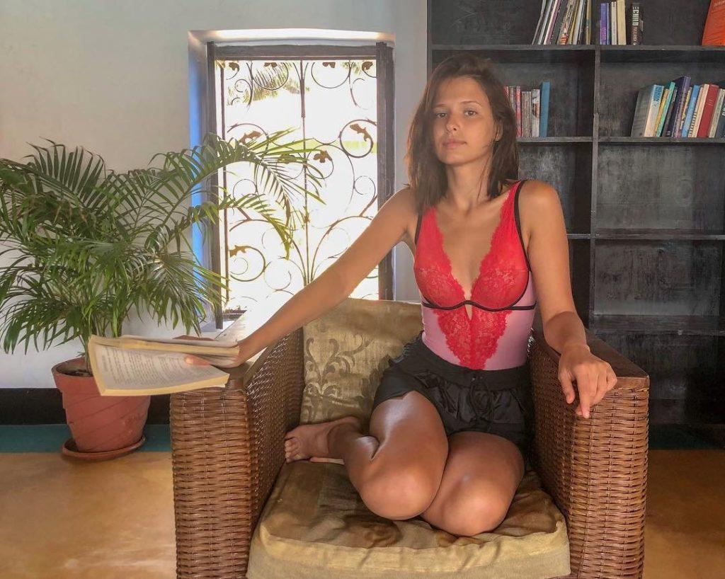 Самые горячие фото Любови Аксеновой: в купальнике, в журнале, из фильма 12