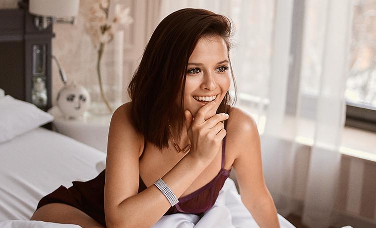 Самые горячие фото Любови Аксеновой: в купальнике, в журнале, из фильма 4