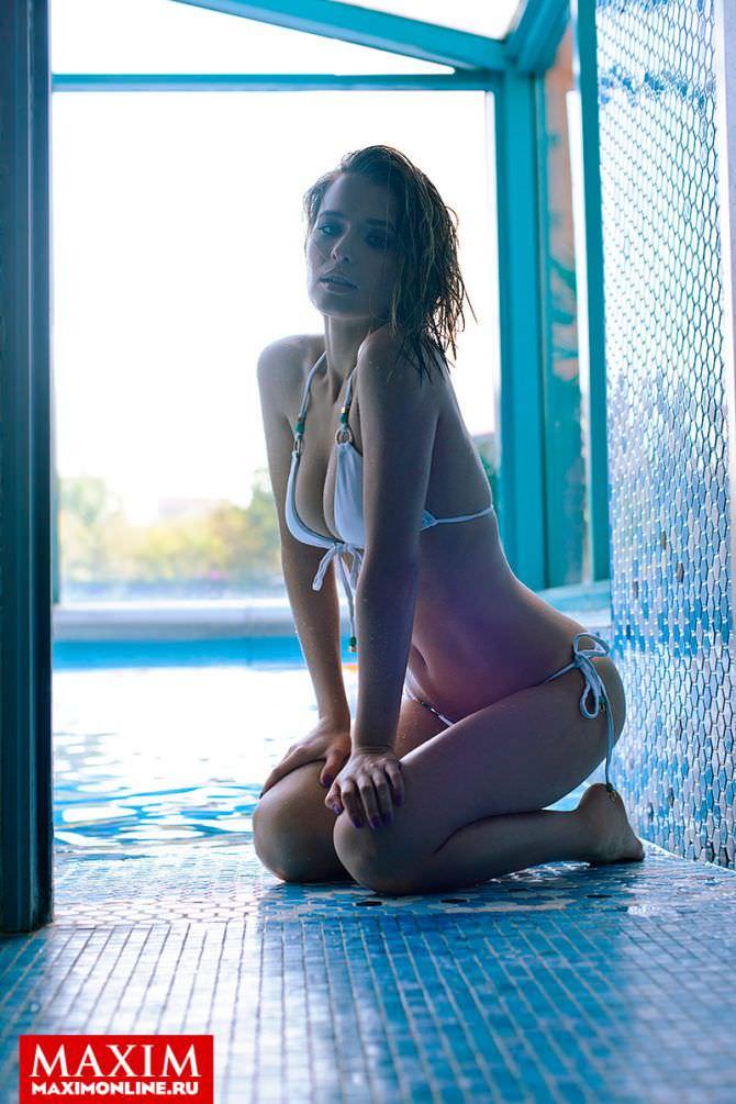 Самые горячие фото Любови Аксеновой: в купальнике, в журнале, из фильма 8