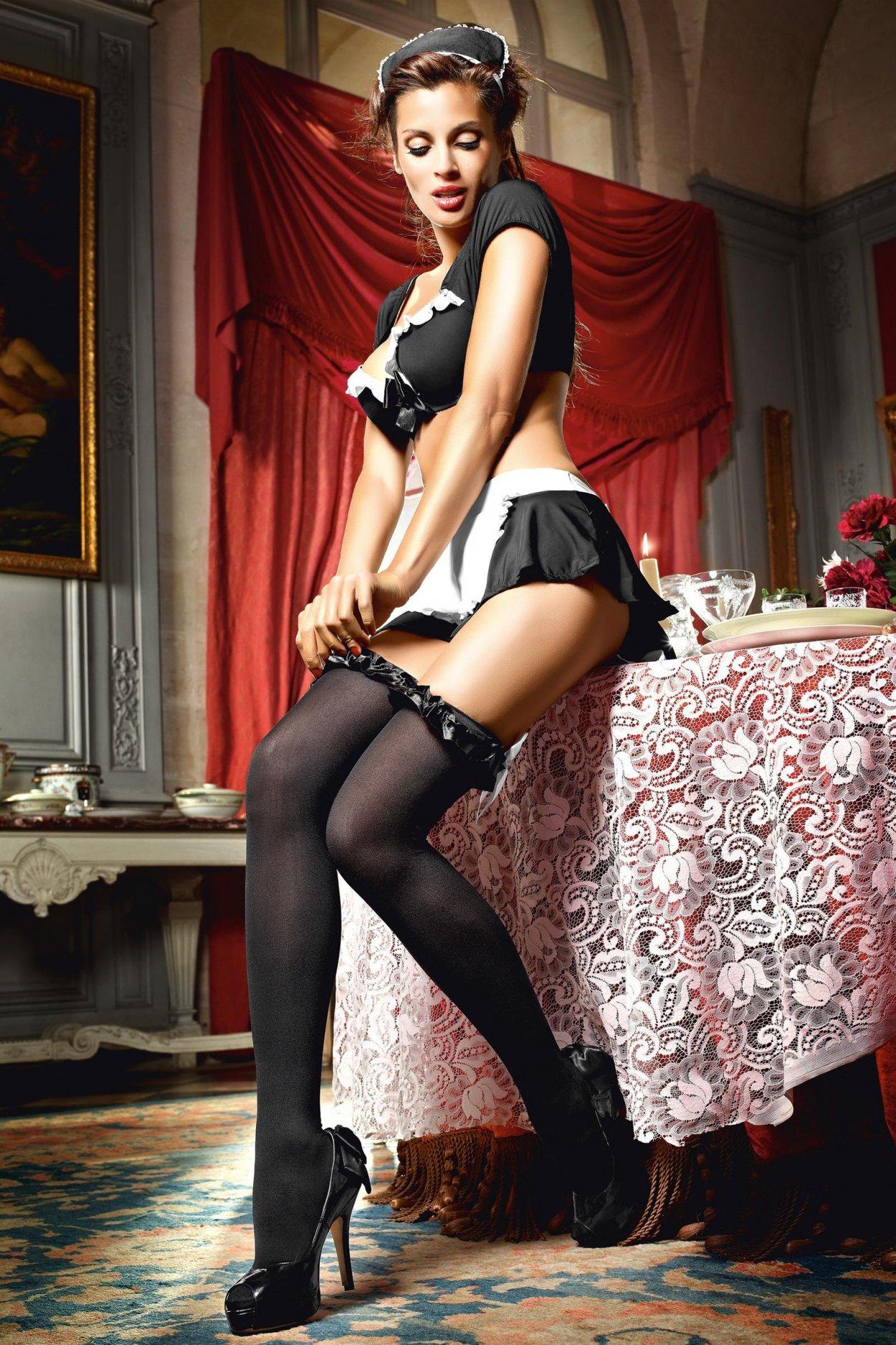 Красивые девушки показали ножки в чулочках (40 фото) 34