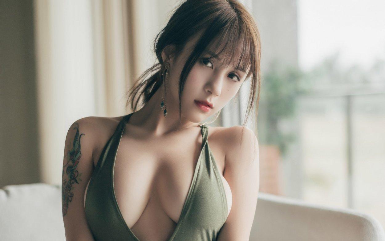 Красивые сексуальные девушки с большой грудью (18 Фото) 17