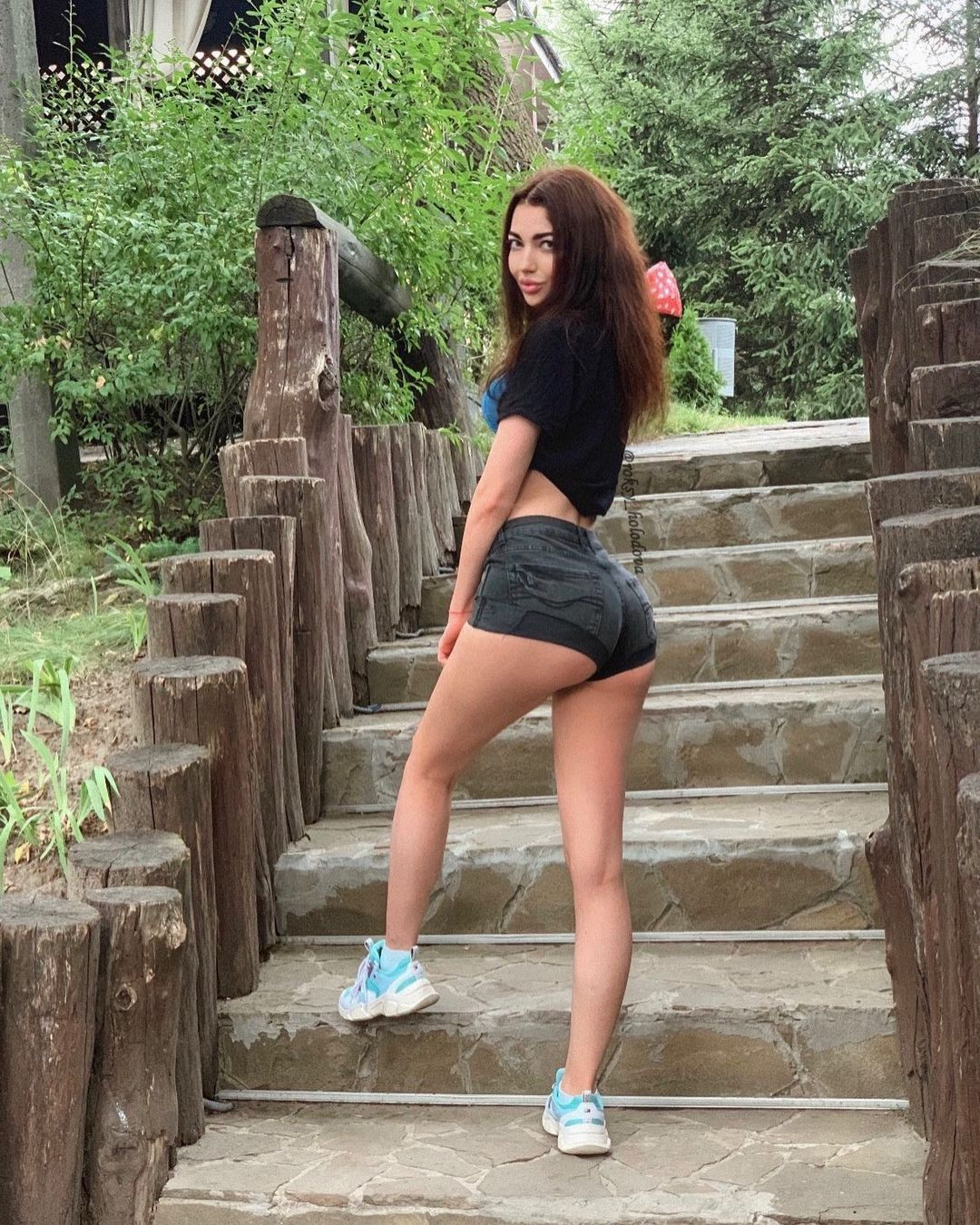 Роксана Холодова (Roksana Holodova) - украинская звезда Инстаграм с шикарными формами 1