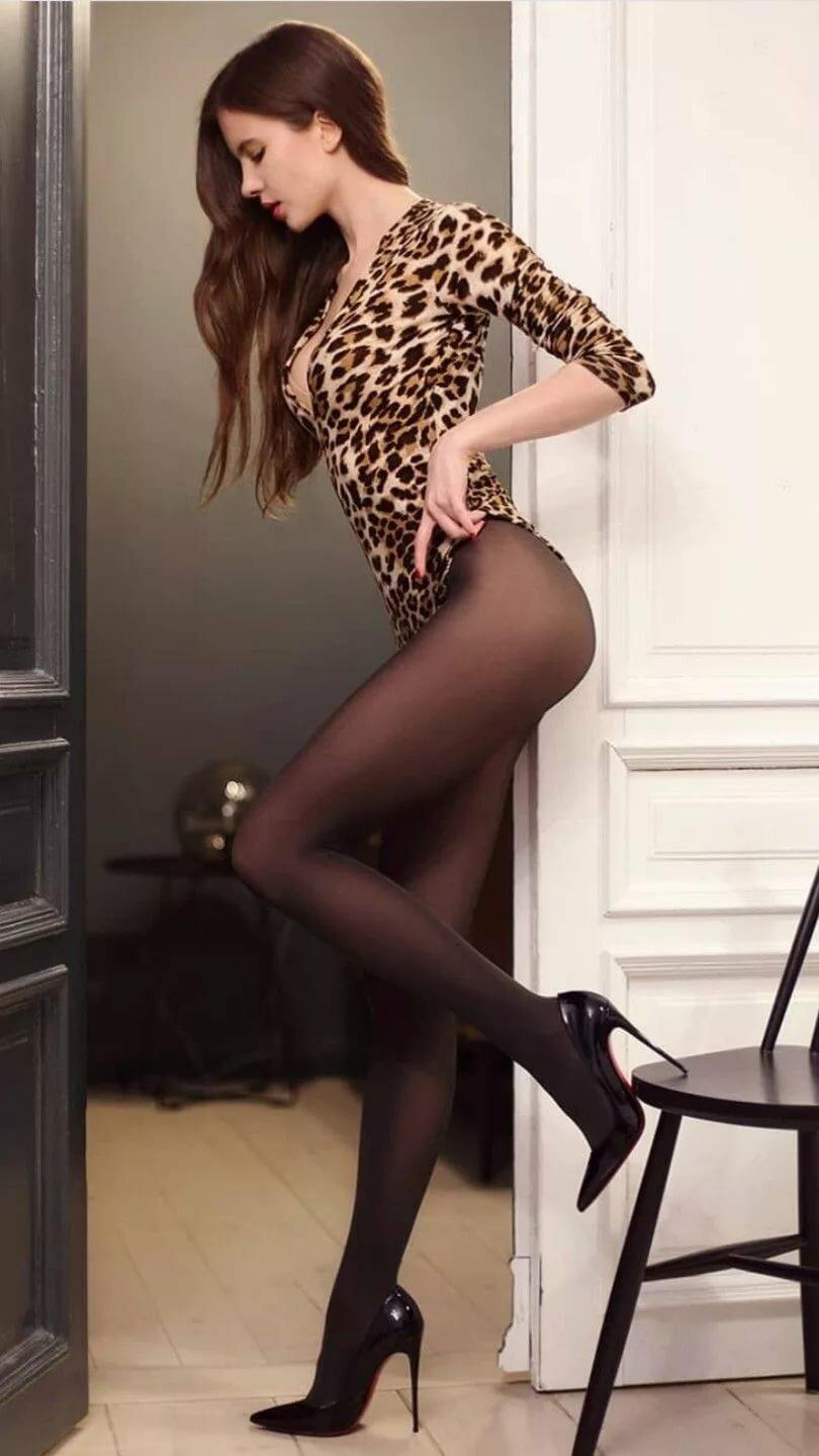 Шикарные девушки в черных колготках: им тепло, нам - приятно ;) 1