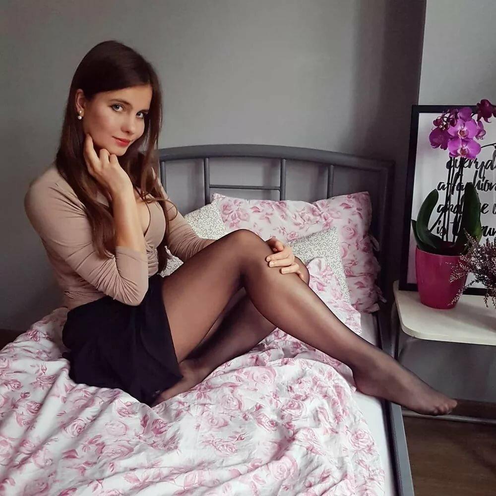 Шикарные девушки в черных колготках: им тепло, нам - приятно ;) 2