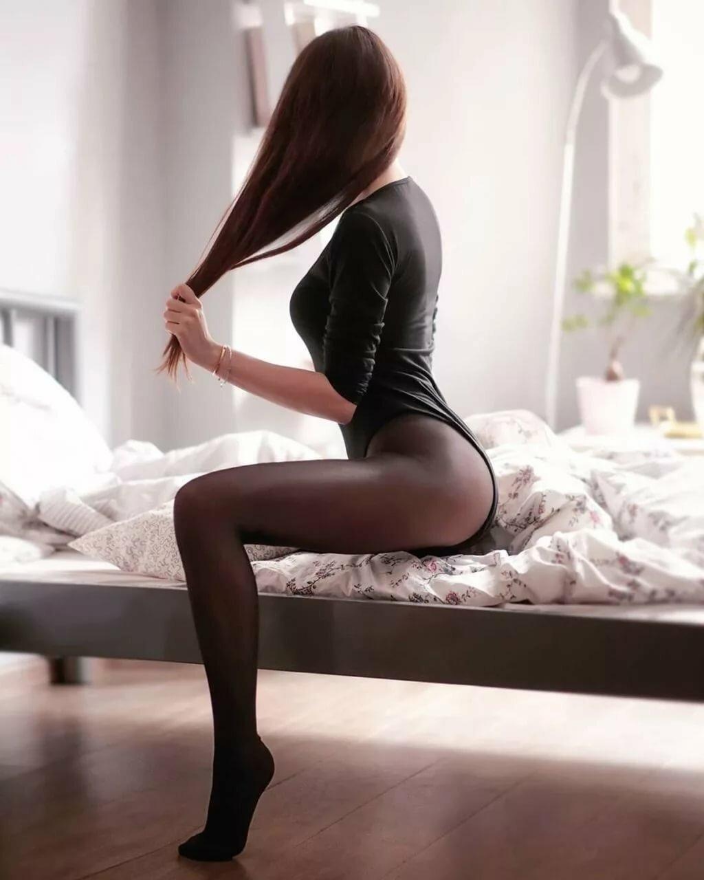 Шикарные девушки в черных колготках: им тепло, нам - приятно ;) 3