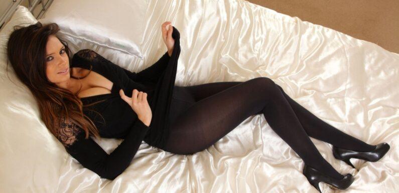 Шикарные девушки в черных колготках: им тепло, нам – приятно ;)