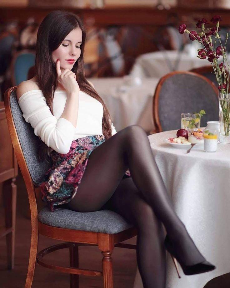 Шикарные девушки в черных колготках: им тепло, нам - приятно ;) 10