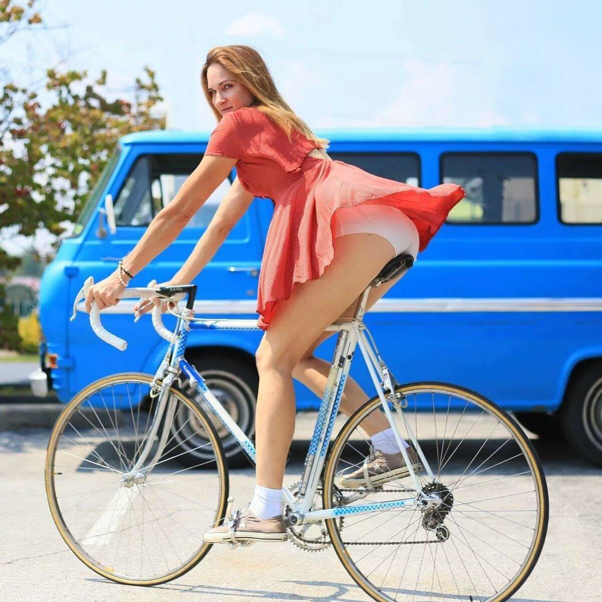 Самые сексуальные велосипедистки: таких не обгонишь 12