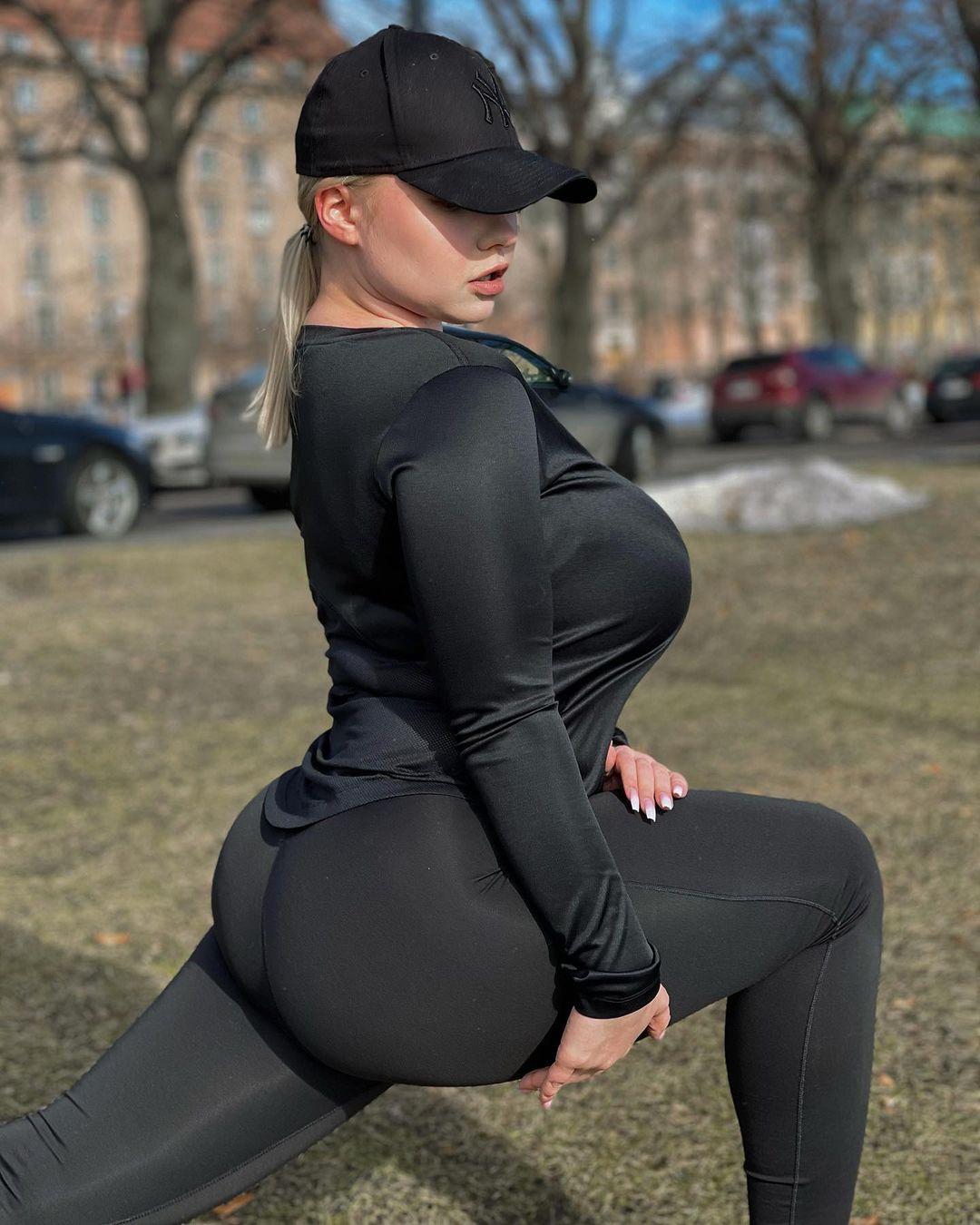 Прасковья Позднякова (Pasha Pozdniakova) - финская красотка с огромной грудью 16