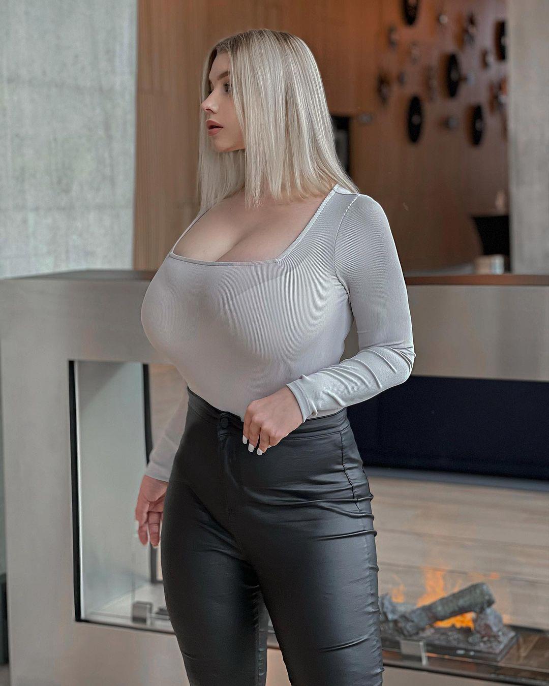 Прасковья Позднякова (Pasha Pozdniakova) - финская красотка с огромной грудью 20