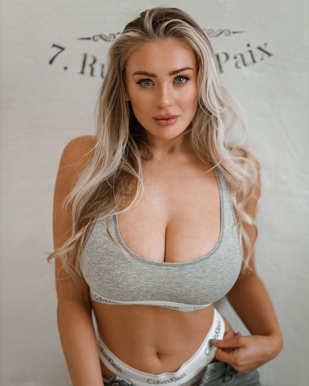 Bethany Lily April - Горячая пышногрудая модель и фанатка фитнеса 1