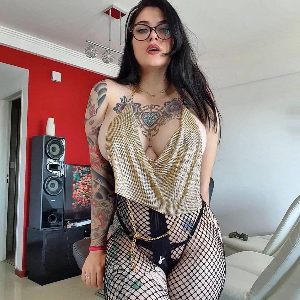 Daniela Basadre - безумно сексуальная инста-няшка с татуировками 11