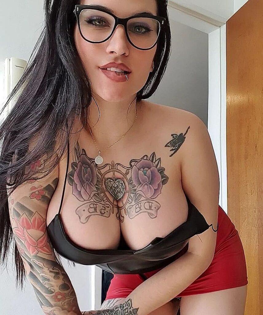 Daniela Basadre - безумно сексуальная инста-няшка с татуировками 15