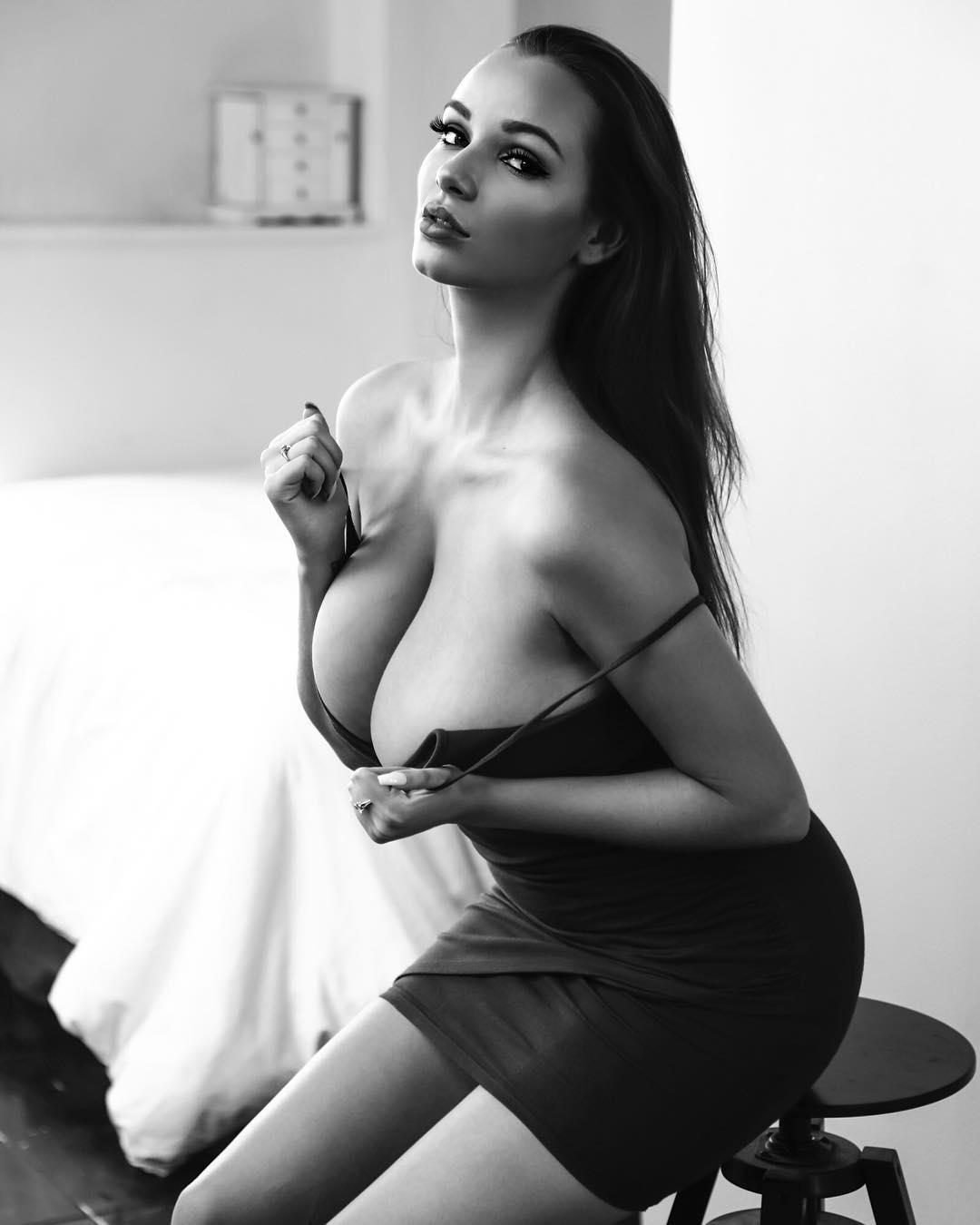 Mary Lynn - Канадская модель с восхитительными формами 18