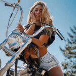 Яркие девушки на байках - горячие фото красоток на мотоциклах 1