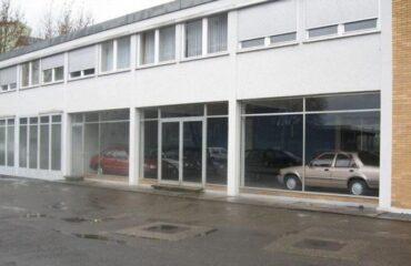 Дилерский центр Ford в Германии пустует почти 30 лет - забросили такой...